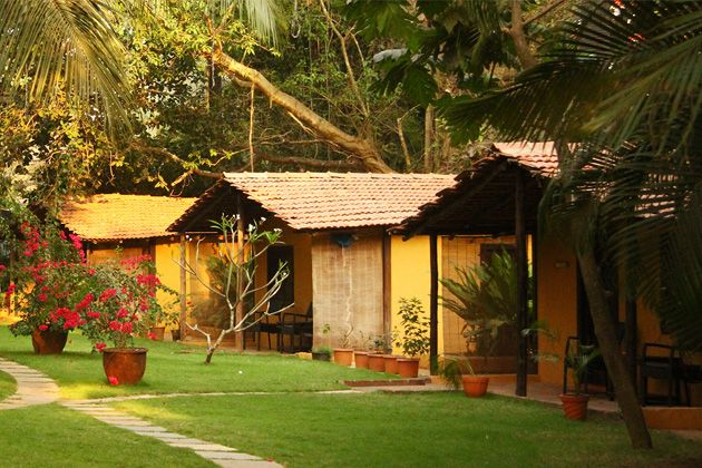 Chalston Beach Resort, hotel-resort-goa